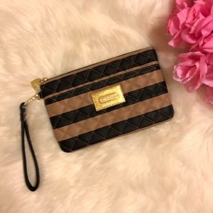 New!!! NWOT Betsey Johnson Wristlet